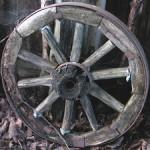 Деревянное колесо с железными протекторами
