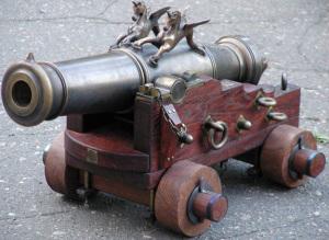 Старое артиллерийское орудие